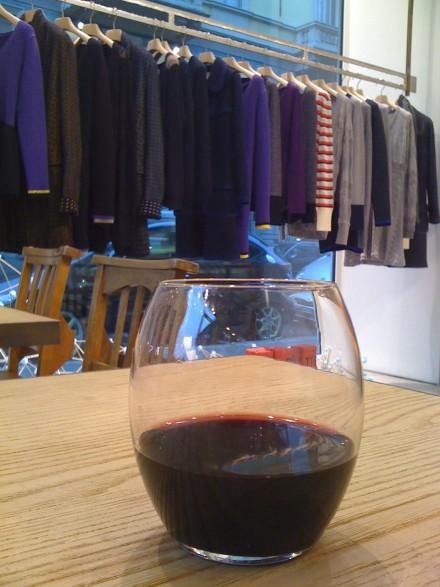 荒手の販売方法?ワイン効果でついつい財布のヒモがゆるんでしまいそう。