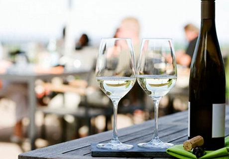 ワインと国民性の関係。観光客を観察すると面白い結果が見えてきます。