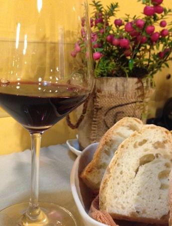 トスカーナ満喫。美味しいワインは慌ただしく過ぎた1日のご褒美です。