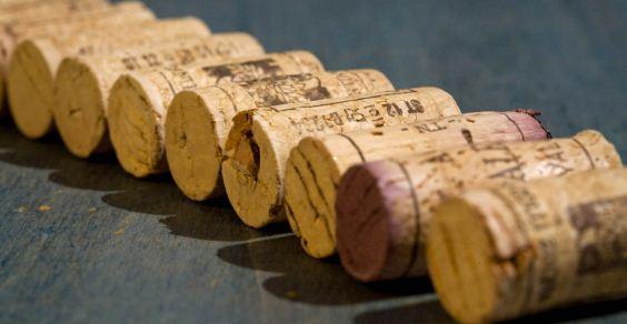 ワインのダイヤモンド発見!! コルク栓の裏側にも注目です。