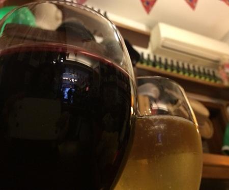 お得!! たっぷり注いでくれるのでグラス1杯でも十分酔えます。