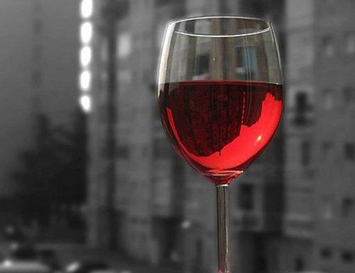 ワインがあれば幸せ♥ でも本当に幸せになるためには捨てるべきもがあるそうです。