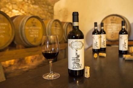 Nunzi Conti・・・以前にワインラベルを紹介したワイナリーです。