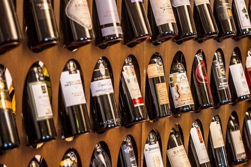 Wine Around・・・ワイン好きにはたまらないイベントです。